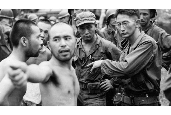 MIS interrogate Japanese prisoners